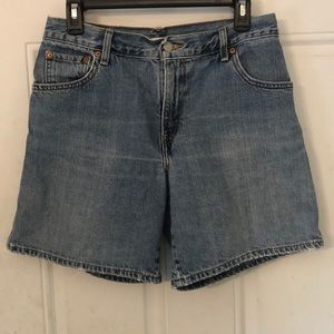 VTG Levi's 550 High Waisted Relaxed Mom Shorts